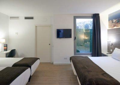 Hotel-BESTPRICE-Diagonal-Family-Deluxe-Room-5